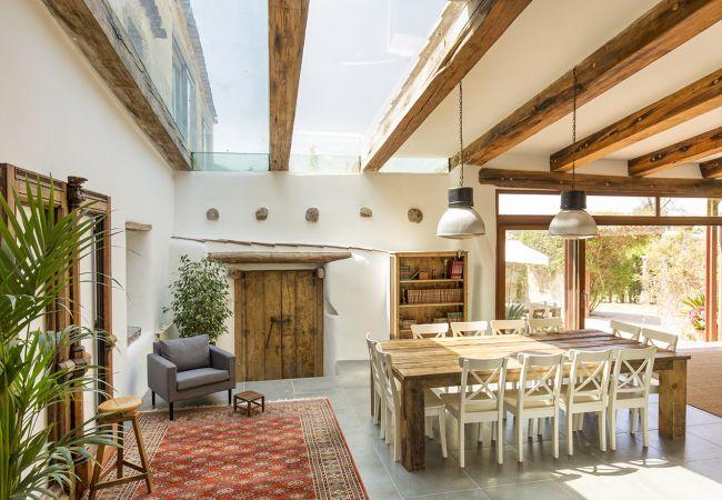 Casa en Vallirana - Masia El Lledoner